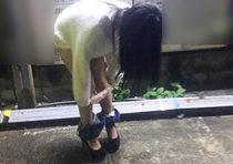 おしっこもう我慢できない!ロリ娘が屋外でパンツを下すエッチな姿を隠し撮り